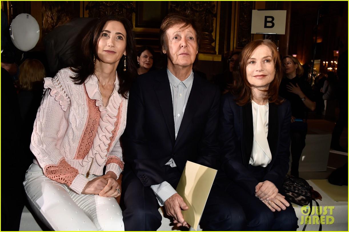 doutzen kroes paul mccartney wife nancy shevell sit front row at stella mc 313599368