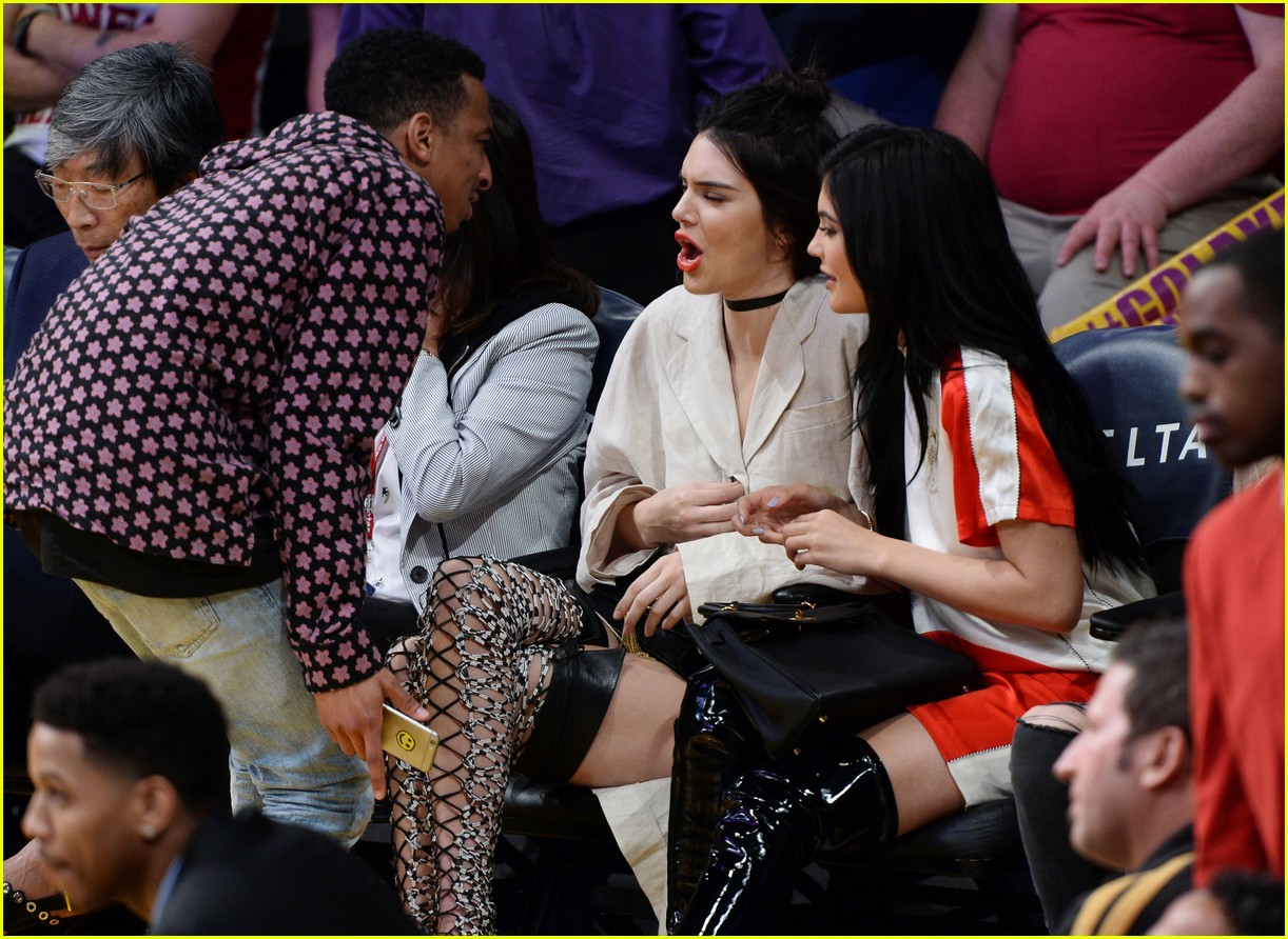 kylie jenner says she sees rob all the time 343607224