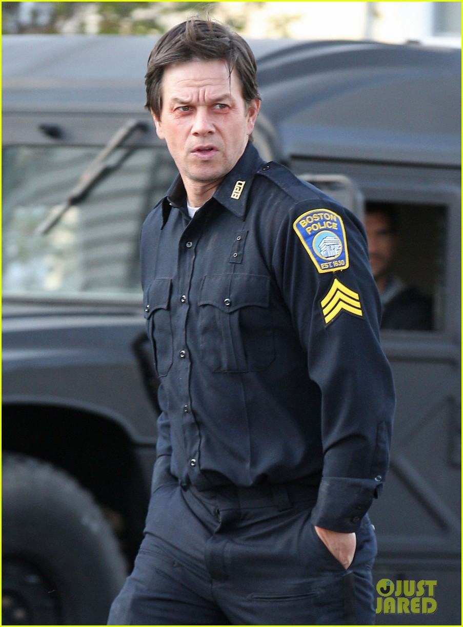 mark wahlberg patriots day filming police uniform 053618369