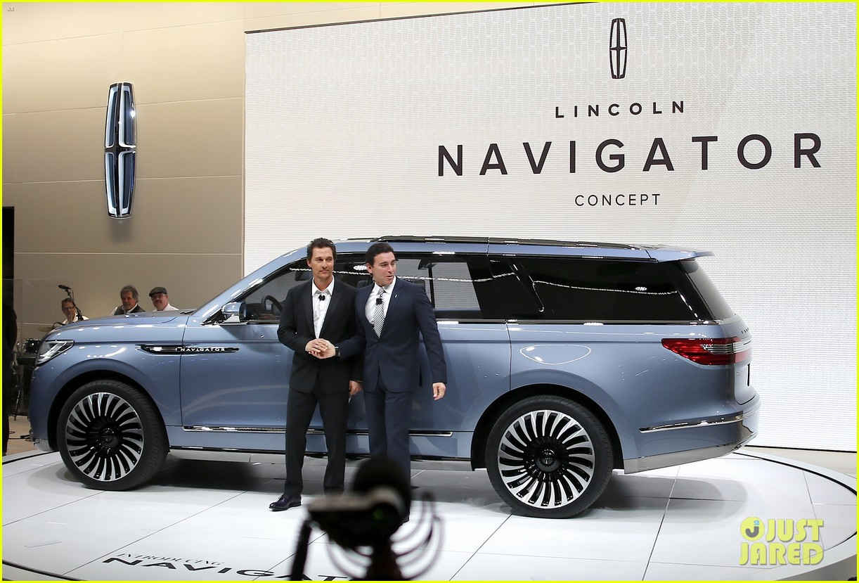 Matthew McConaughey Supports Lincoln at NYC Auto Show: Photo 3612937 ...