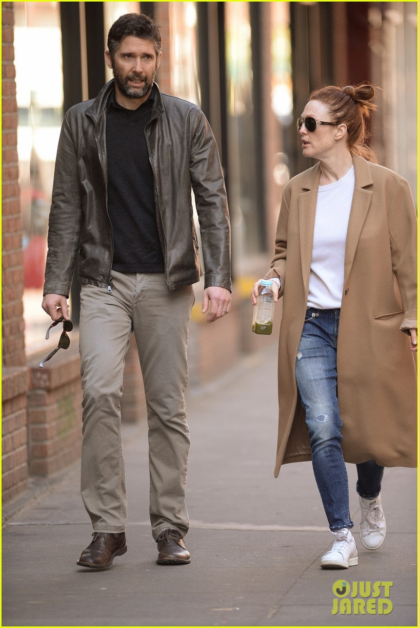 Julianne Moore Starts Her Morning with Hubby Bart ...