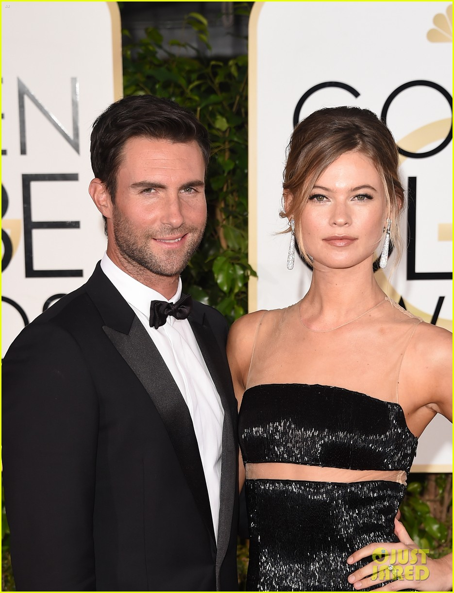 adam levine behati prinsloo pregnant first child 023602267