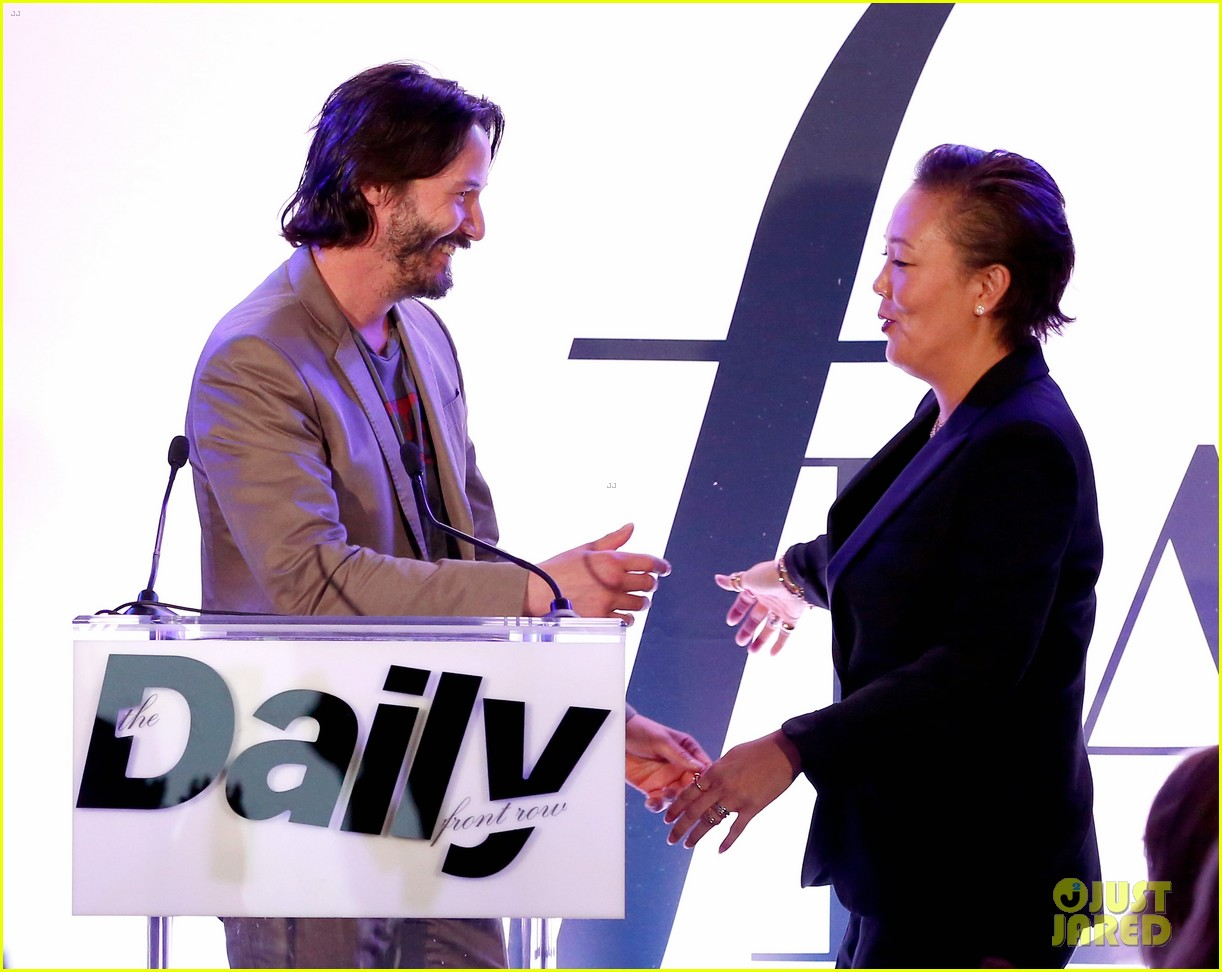 keanu reeves jeanne yang daily front row awards 143611122