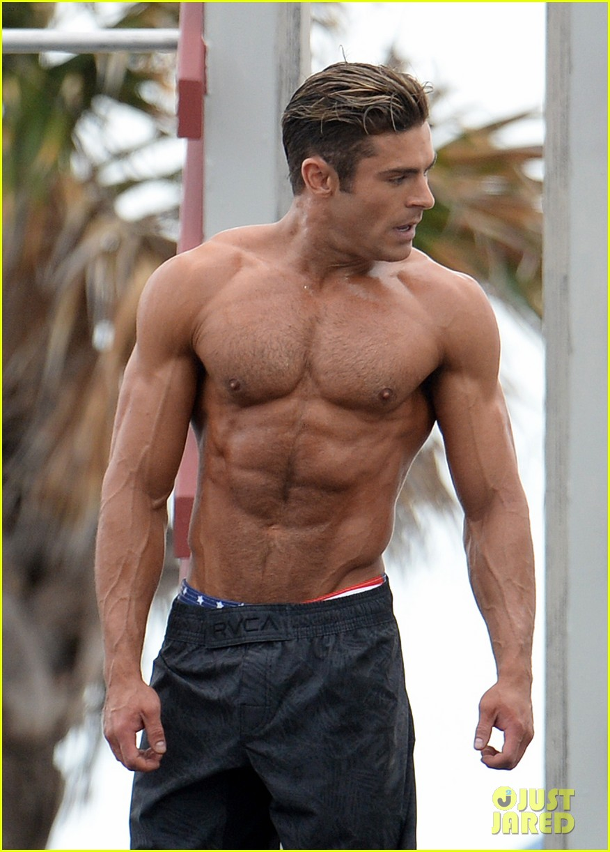 Zac Efron Uses His Ripped Muscles to Complete 'Baywatch ...