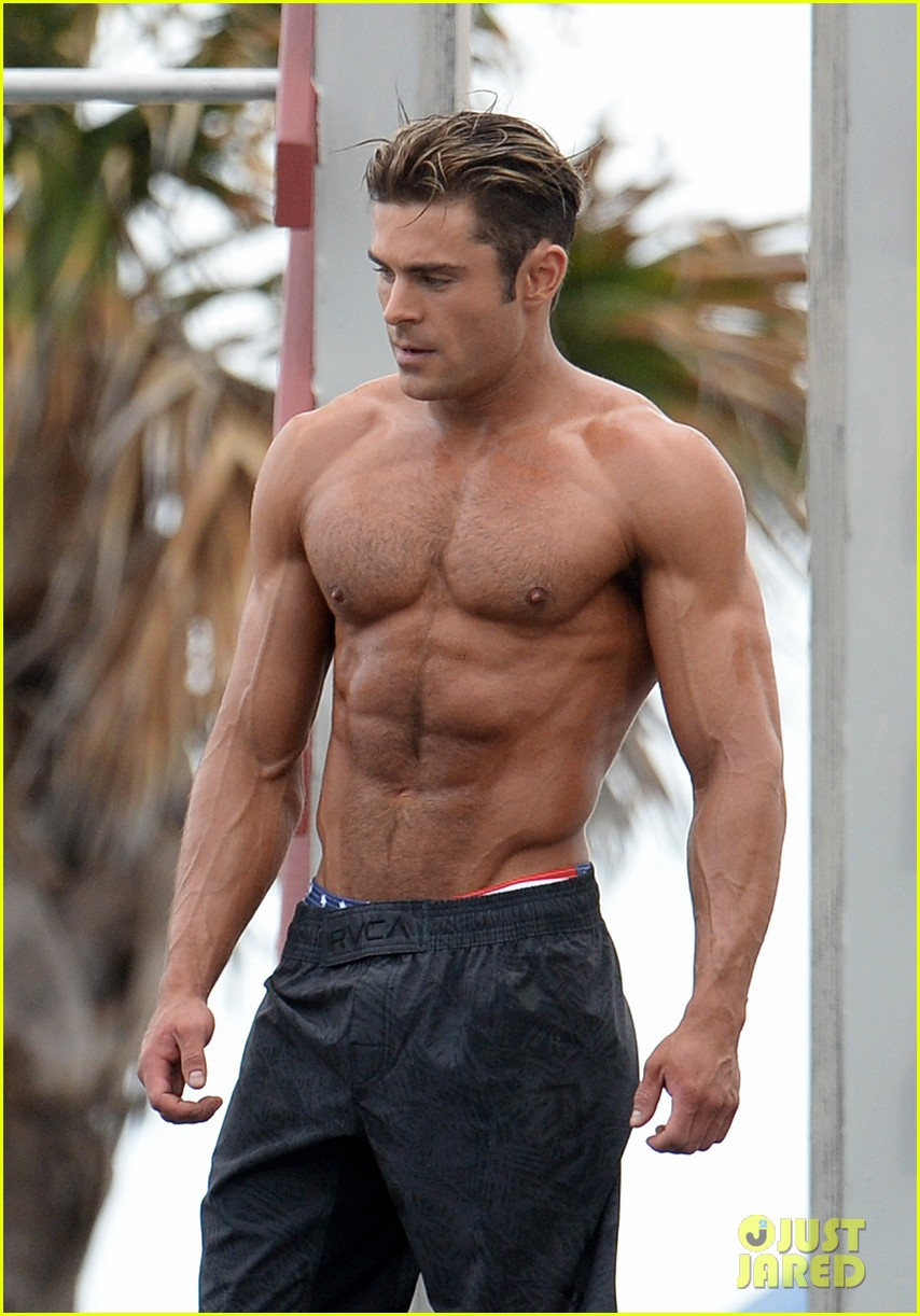 Zac Efron Uses His Ripped Muscles To Complete Baywatch Obstacle