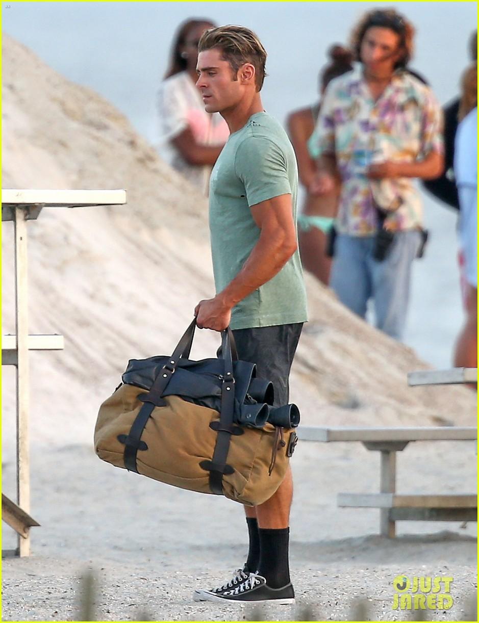 zac efron beach duffel bag baywatch 043616743