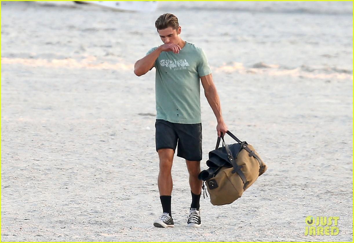 zac efron beach duffel bag baywatch 053616760