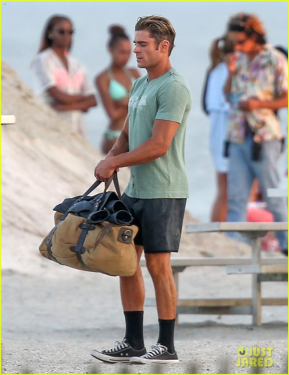 zac efron beach duffel bag baywatch 143616769