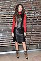 zendaya sophie turner louis vouitton 2016 paris fashion week 01