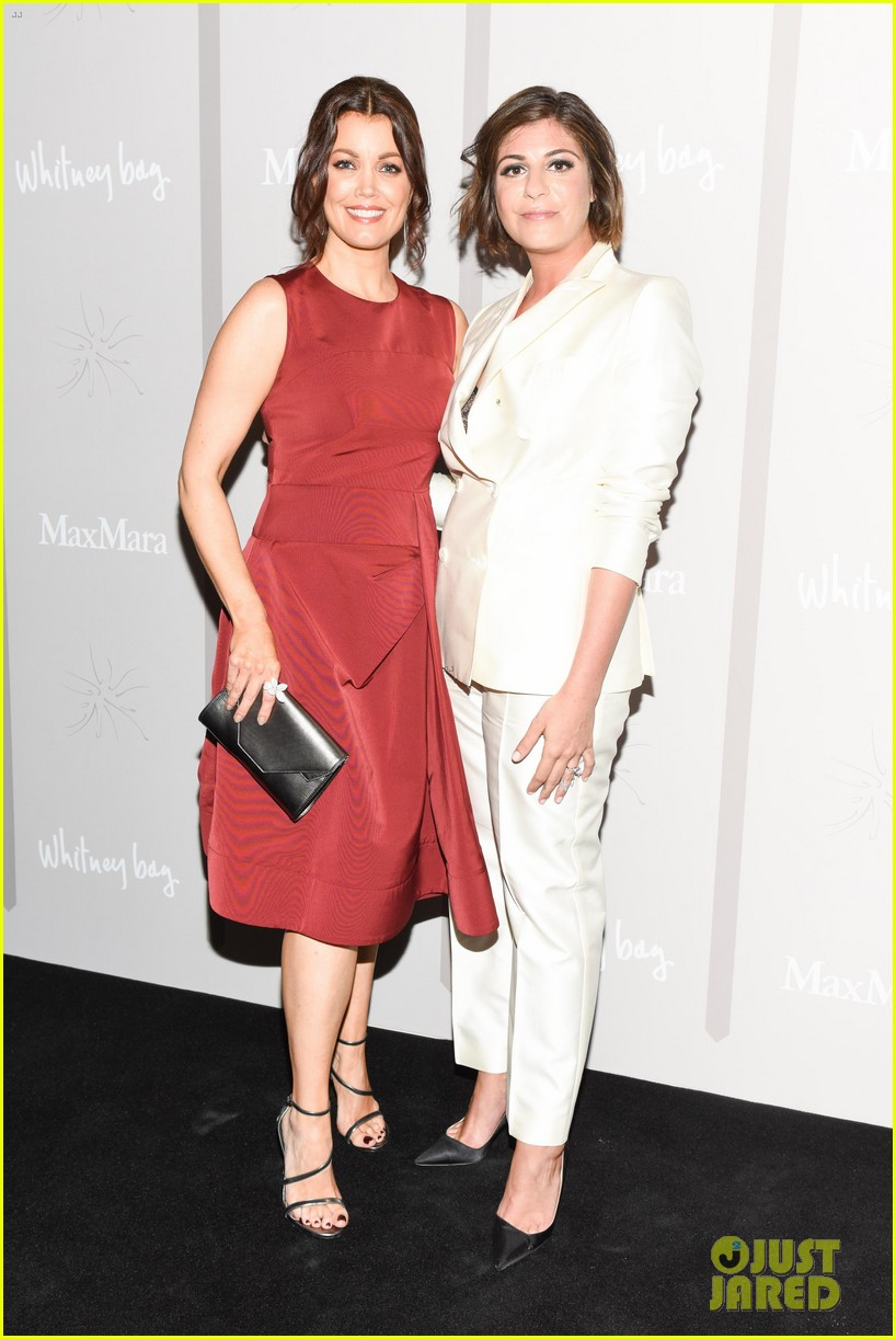 amy adams bellamy young max mara whitney 493641731
