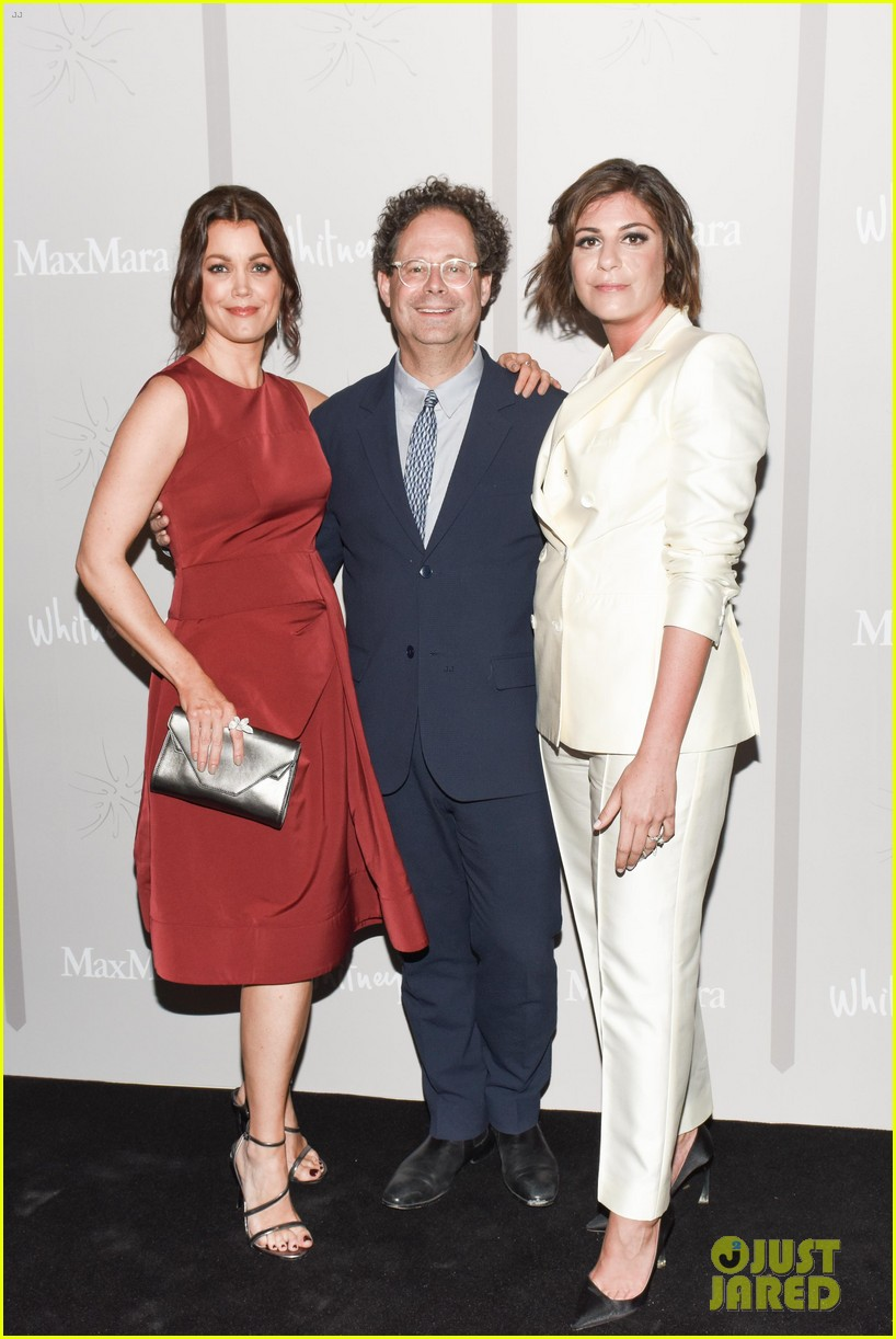 amy adams bellamy young max mara whitney 503641732