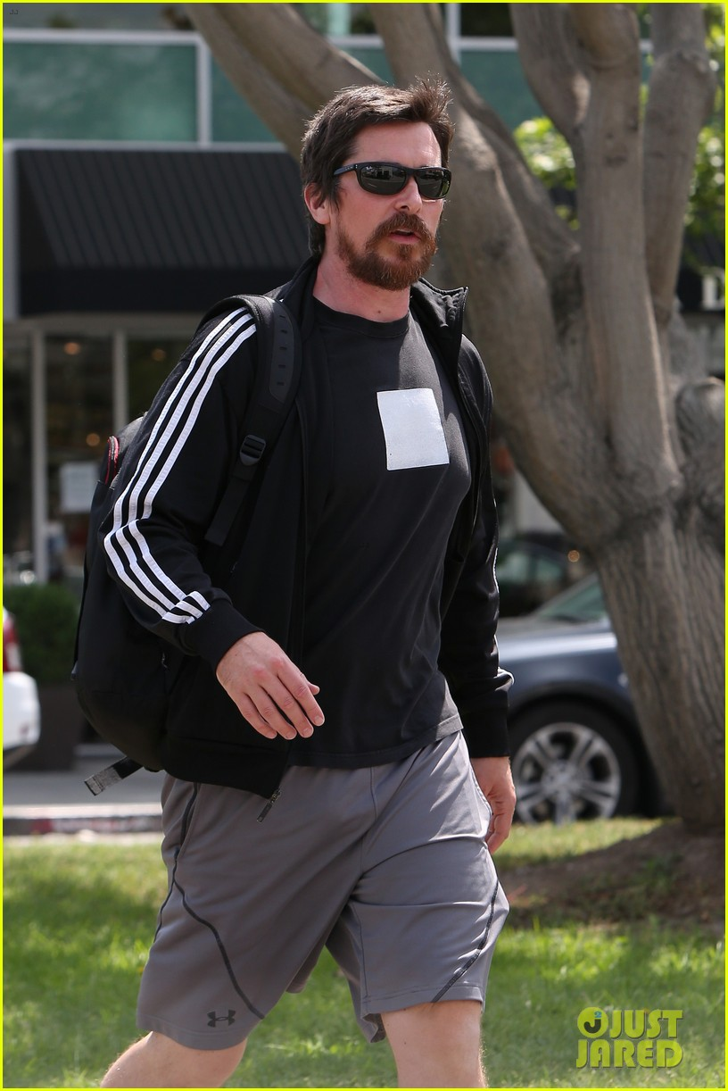 christian bale steps out in his workout gear for a meeting 023632298