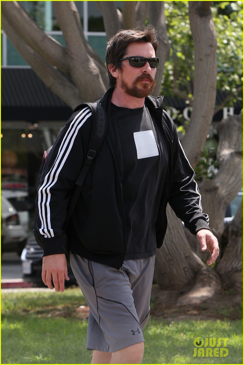 christian bale steps out in his workout gear for a meeting 063632302
