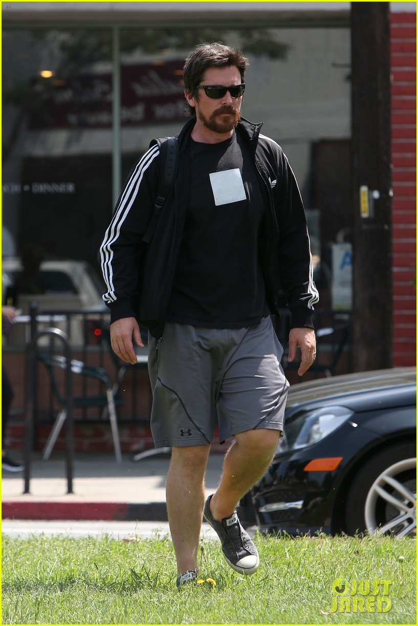 christian bale steps out in his workout gear for a meeting 073632303