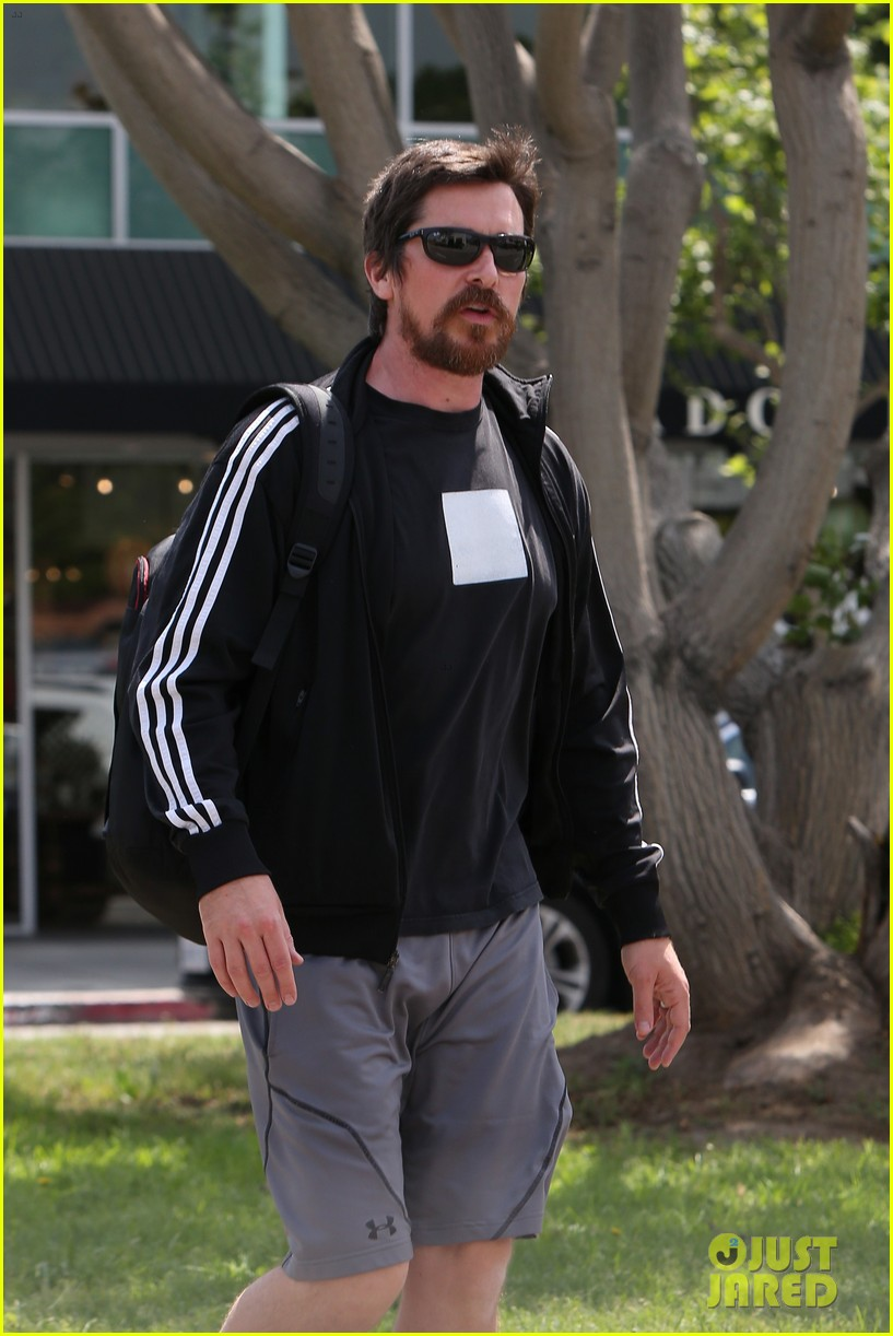 christian bale steps out in his workout gear for a meeting 083632304