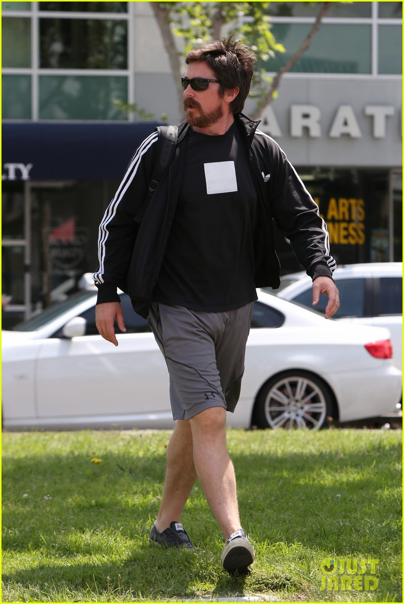 christian bale steps out in his workout gear for a meeting 153632311