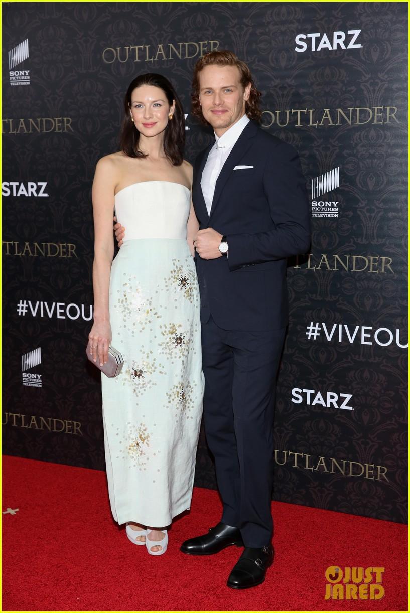 Outlander' Stars Caitriona Balfe & Sam Heughan Play Newlywed