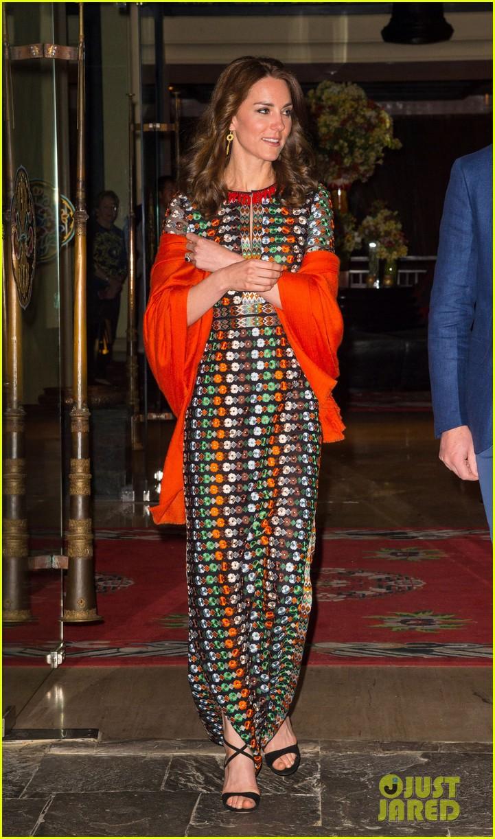 drew barrymore kate middleton wear same dress on same day 073631492