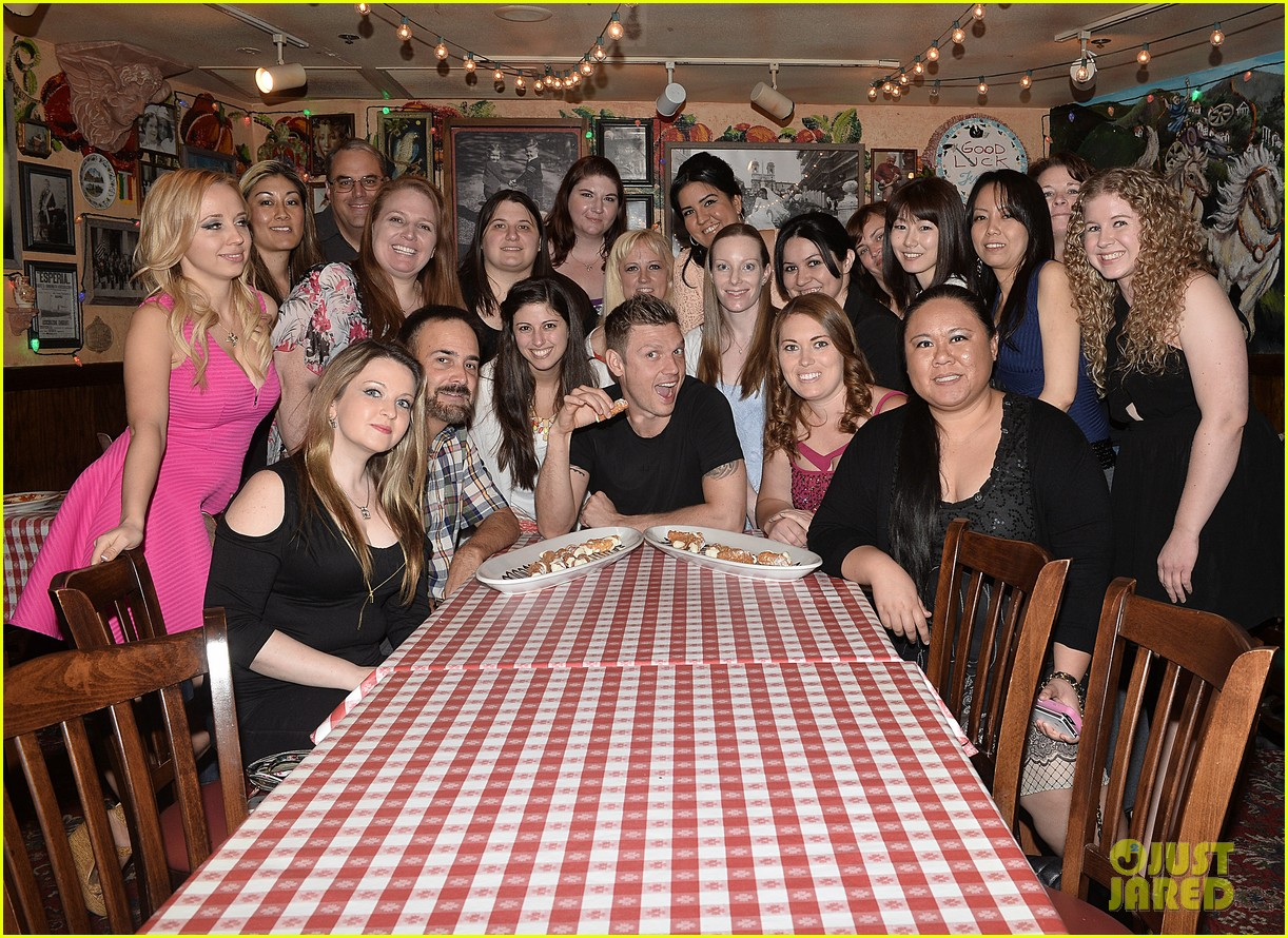 Nick Carter Took His 20 Biggest Fans Out For Lunch Photo 3622416