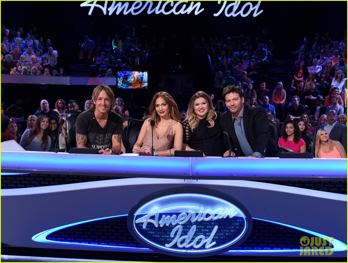 kelly clarkson a moment like this american idol finale 023625296
