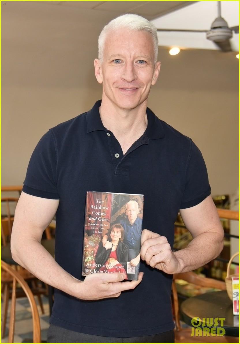 anderson cooper promotes book 063639572