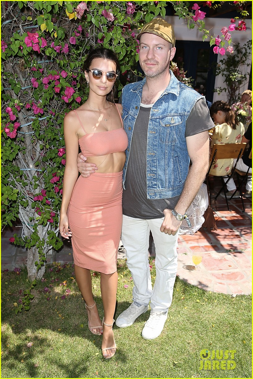 Emily Ratajkowski & Boyfriend Jeff Magid Enjoy an Afternoon Coachella ...