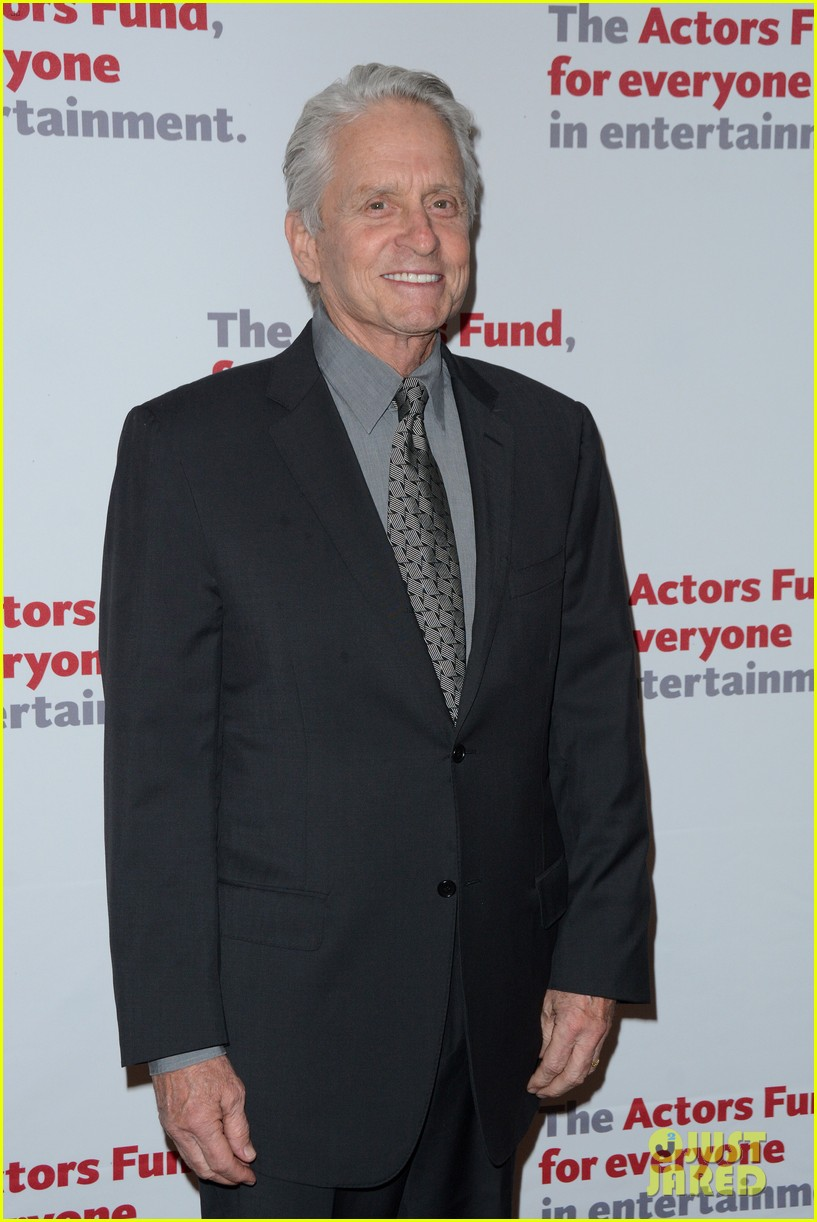 michael douglas gets highest honor at actors fund gala 2016 013640292
