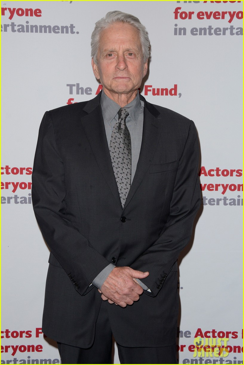 michael douglas gets highest honor at actors fund gala 2016 173640308