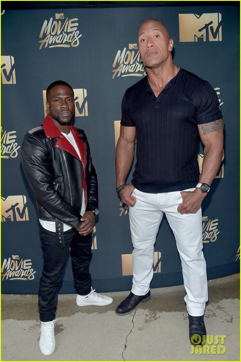 Hosts Dwayne Johnson Kevin Hart Promise Epic Mtv Movie