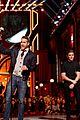 zac efron apologizes seth rogen mtv movie awards 2016 04