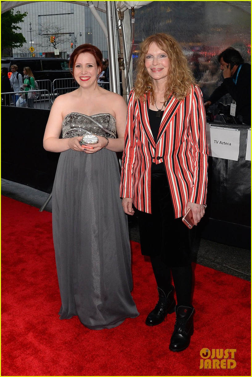 dylan farrow reveals shes pregnant with a baby girl 033641164