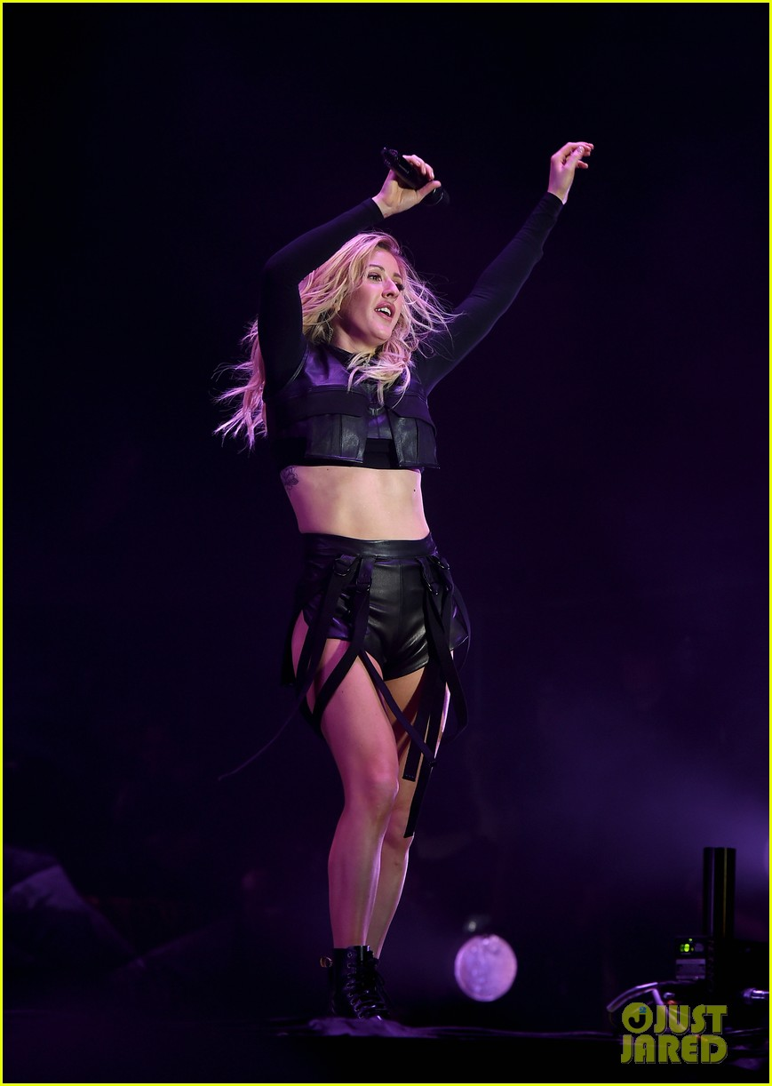 ellie goulding sings when doves cry for prince at coachella 053638575