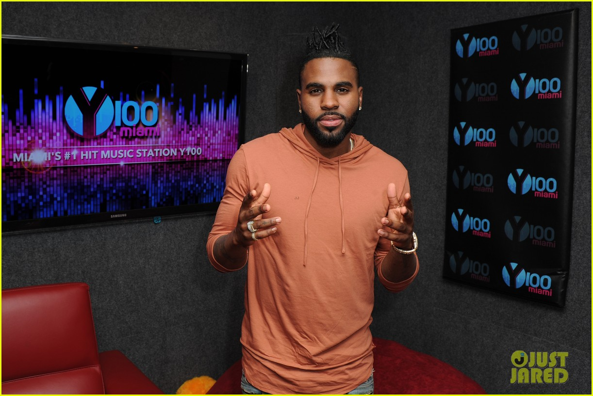 jason derulo shirtless concert ft lauderdale 123642397