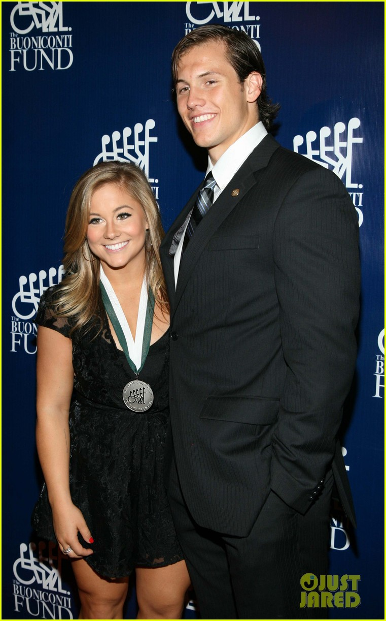shawn johnson marries andrew east 053633253