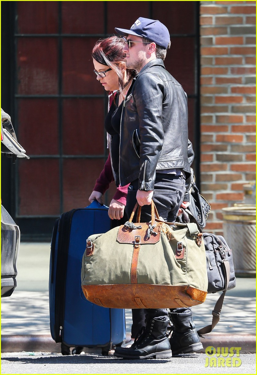josh hutcherson leaves new york city hotel 023639918