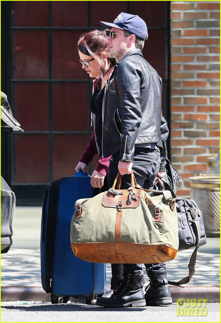 josh hutcherson leaves new york city hotel 043639920