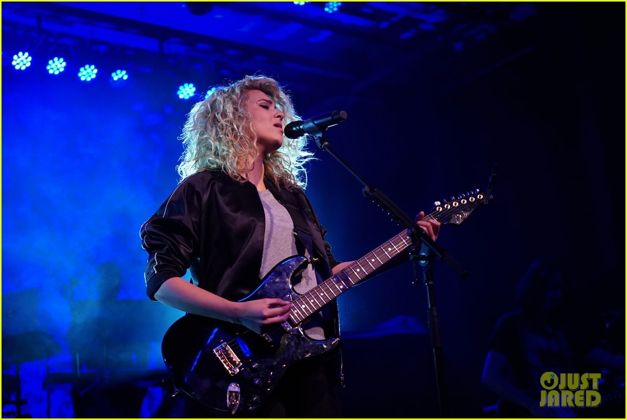 tori kelly kicks off unbreakable tour 043626572