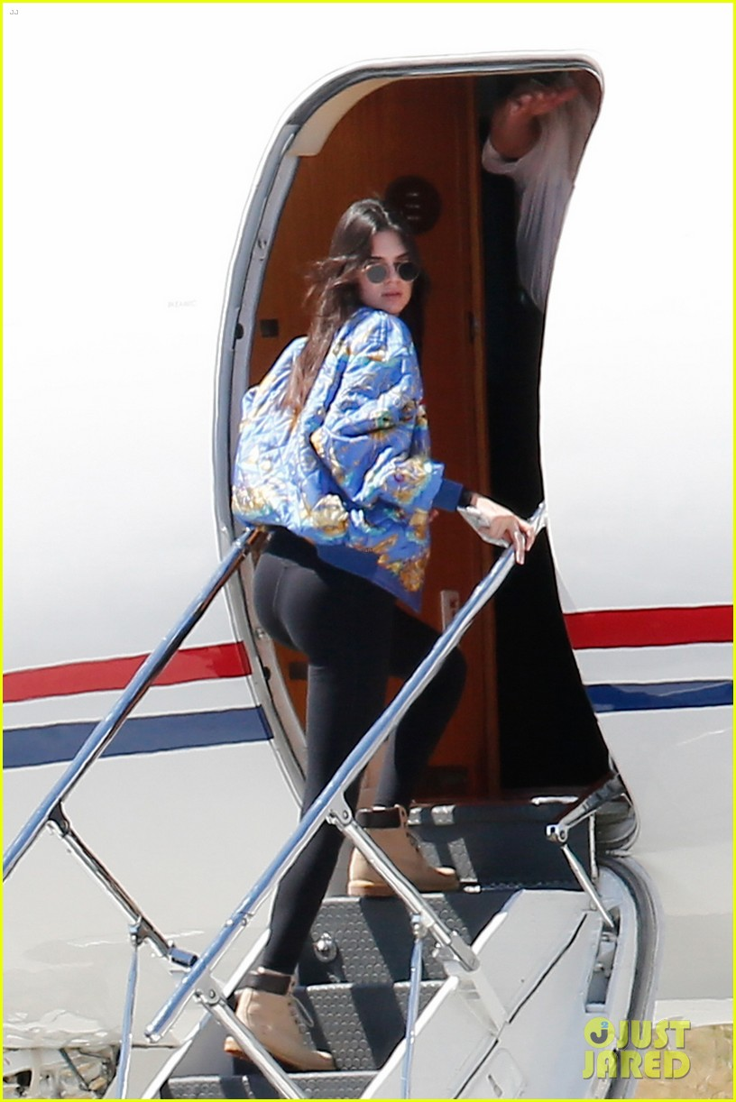 Prince Harry And Meghan >> Kris Jenner Jets Kardashian Family Off to Surprise Location: Photo 3622764 | Corey Gamble ...