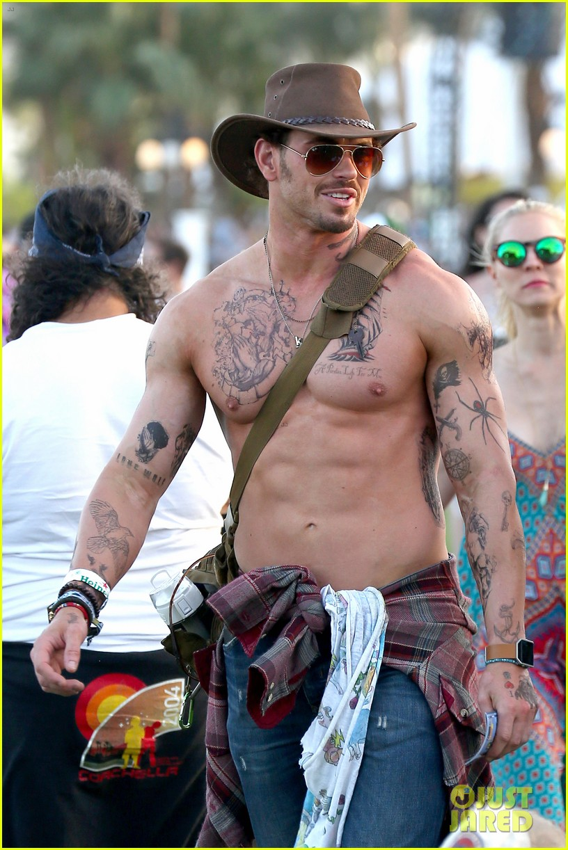 Kellan Lutz Goes Shirtless With Fake Tattoos For Coachella