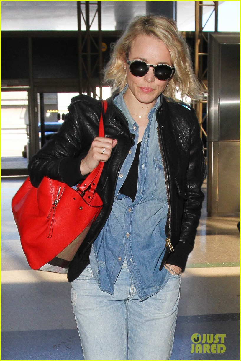 rachel mcadams flight out of lax 073629911