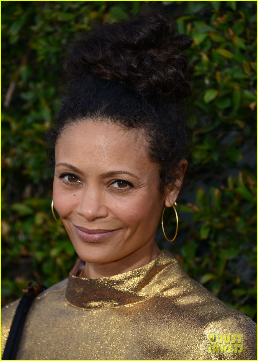 thandie newton makes it a family affair at wizarding world of harry potter opening 113623764