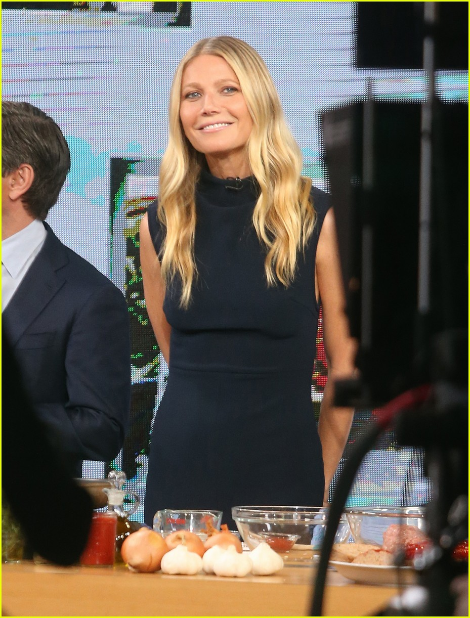 Gwyneth Paltrow quits America Gwyneth Paltrow quits America new picture