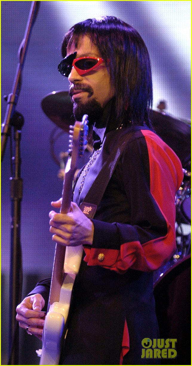 Prince dead legendary singer dies at 57 photo 3637058 prince rip