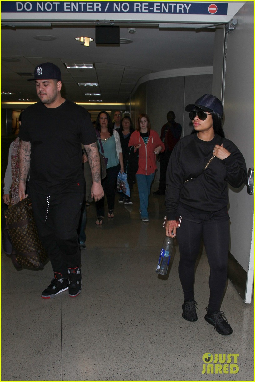 rob kardashian blac chyna land back in los angeles 103634939