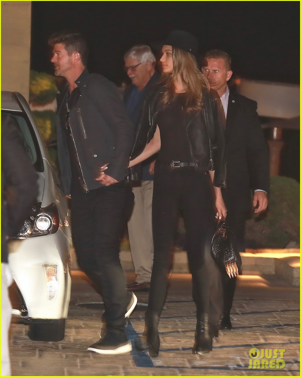 robin thicke april love geary have date night in malibu 023643727