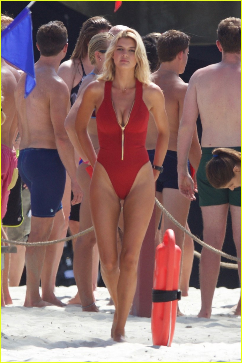 kelly rohrbach sings on set baywatch 033635578