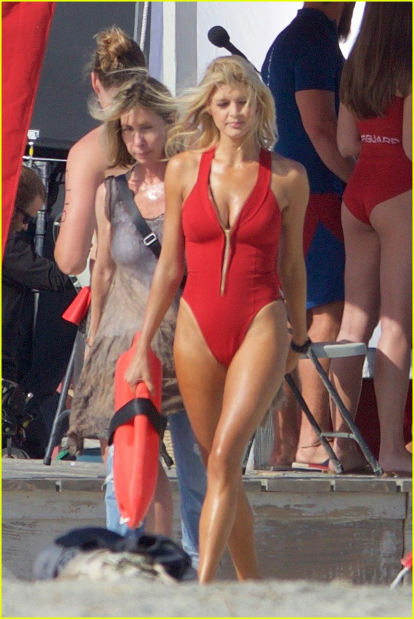 kelly rohrbach sings on set baywatch 113635586