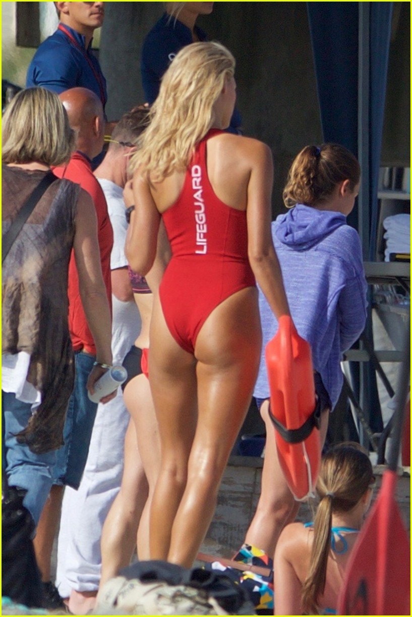 kelly rohrbach sings on set baywatch 123635587