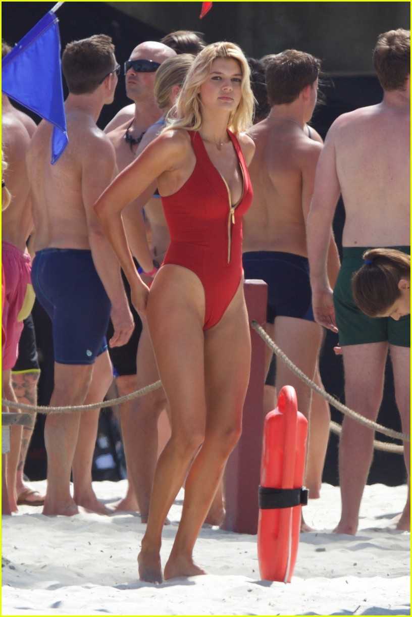 kelly rohrbach sings on set baywatch 143635589