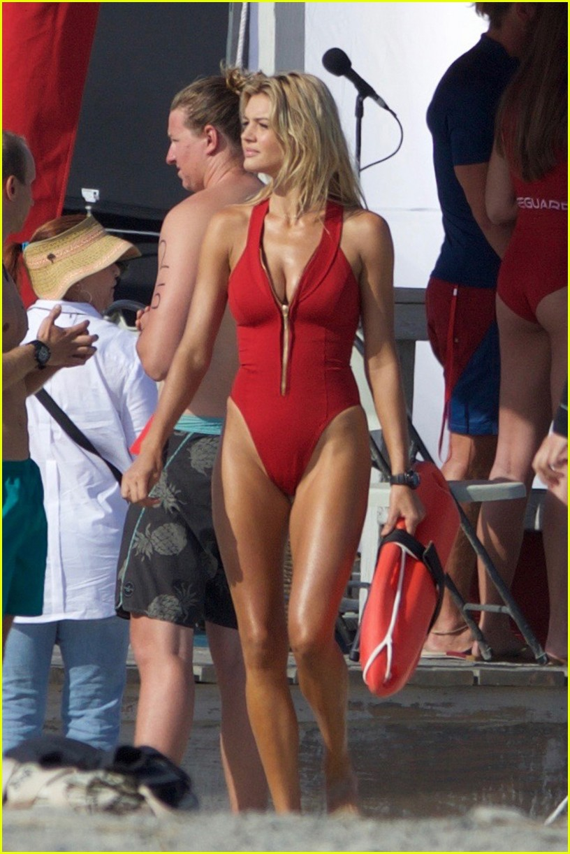 kelly rohrbach sings on set baywatch 163635591